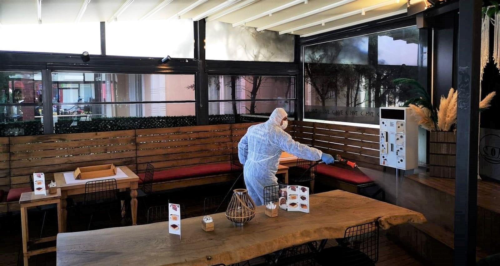 Şile Belediyesi, işletmeleri dezenfekte ediyor!
