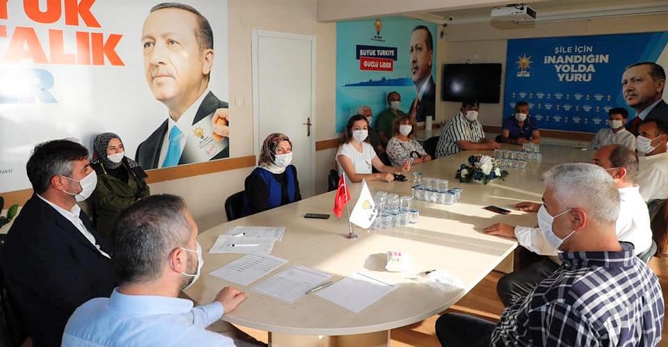 AK Parti Şile'de tam kadro toplantı