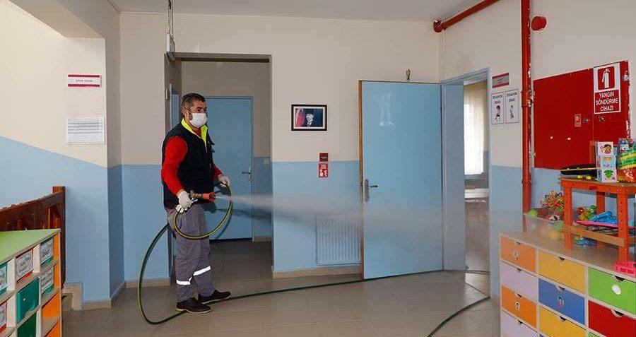Şile'de okullarda dezenfekte mesaisi